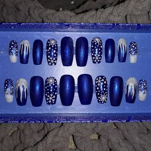 Other - Med. Press Ons nails Winter blues 20 pcs